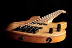 Holzbass01